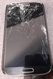 Samsung Galaxy S4 - Destroyed